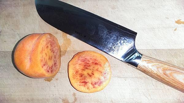 hana包丁の切れ味 桃