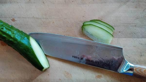 hana包丁の切れ味きゅうり