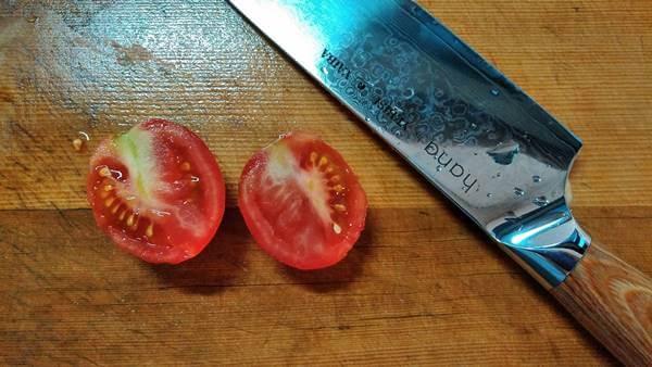 hana包丁の切れ味 トマト