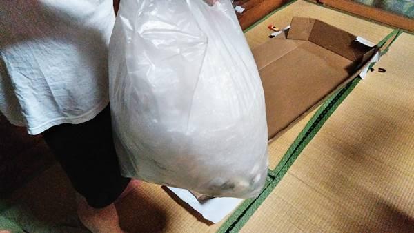 梱包資材のゴミ