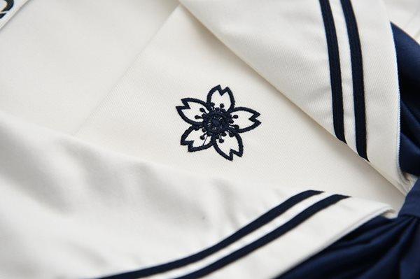 長袖セーラー服胸元刺繍